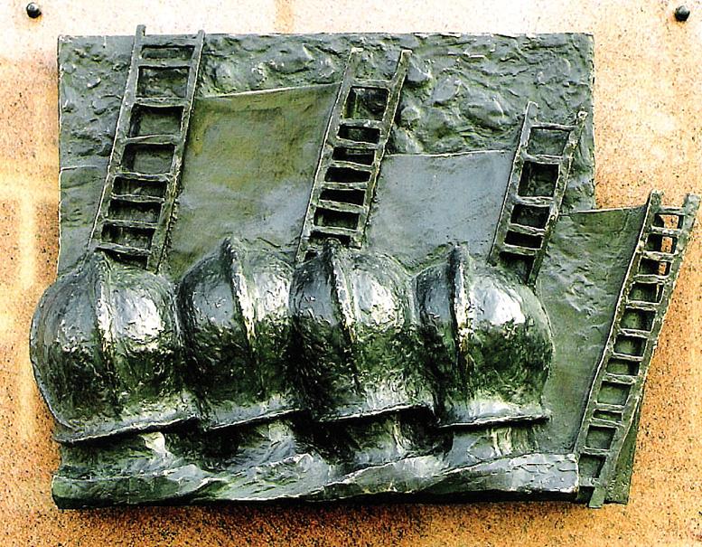 archief-in-opdracht-01-herdenkingsmonument-brandweer-enschede-13-mei-2000