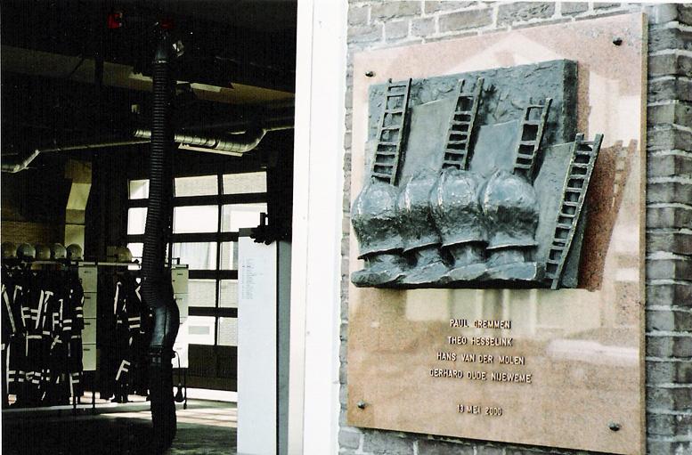 archief-in-opdracht-02-herdenkingsmonument-brandweer-enschede-13-mei-2000